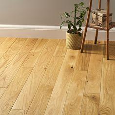 Elegant Natural Oak displays wonderful grain variations and organic patterns. Direct Wood Flooring, Oak Laminate Flooring, Solid Wood Flooring, Engineered Wood Floors, Kitchen Flooring, Hardwood Floors, Eclectic Design, Interior Design, Natural Cabinets