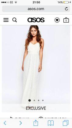 83 nejlepších obrázků z nástěnky šaty na ples  83768c78a99