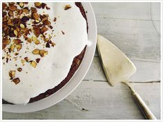 Carrot Cake mit Abdeckung Joghurt-Mandel-Toast