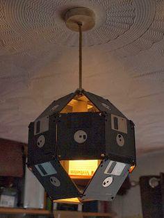 Lámpara disquetes.