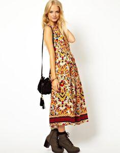 ASOS | Платье миди с мозаичным принтом ASOS на ASOS