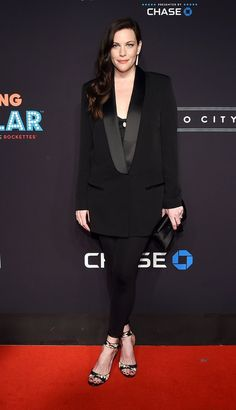 Pin for Later: Liv Tyler Makes Her First Radiant Red Carpet Appearance Since Giving Birth
