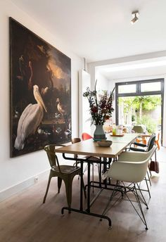 Lovely dining room from . Enjoy the last warm days now . Soon it is winter . Modern Interior Design, Interior Styling, Home Living, Decoration, Colorful Interiors, Interior Inspiration, Decorating Your Home, Sweet Home, Dining Table