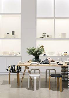 Pinjacolada: Marimekko home S/S 19 sneak peek Marimekko, Interior Decorating, Interior Design, Cool Kitchens, Home And Living, Interior Inspiration, Living Room Furniture, Minimalism, Kitchen Decor