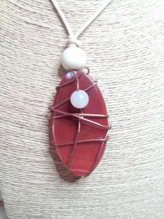 Collana con pietra rossa e intreccio di filo di rame #homemade #madewithlove #perasperaadastra #jewerly #gioiellifattiamano #rame #pietre
