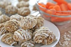 Fluffy, moist easy carrot cake oatmeal cookies that bake up with all the flavors of a homemade carrot cake. Drizzled with white chocolate. Homemade Carrot Cake, Easy Carrot Cake, Moist Carrot Cakes, Homemade Cakes, Carrot Cake Oatmeal Cookies Recipe, Divas Can Cook, Zucchini Bread Recipes, Cream Cheese Recipes, Cookie Recipes