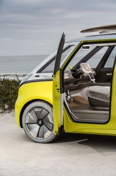 Volkswagen will produce the I. Buzz concept in 2022 and sell in in the United States as an all-electric vehicle. It will be the successor to the Microbus. Volkswagen Golf, Bus Camper, Volkswagen Bus, Vw T1, Porsche 356, Vw Buzz, Crossover, Electric Van, Beetle Convertible