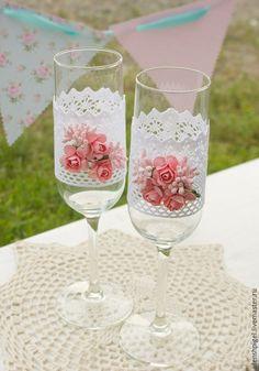 """Купить Свадебные бокалы с хлопковым кружевом, жемчугом и розами """"Нежность"""" - белый, розовый, кружево хлопковое"""
