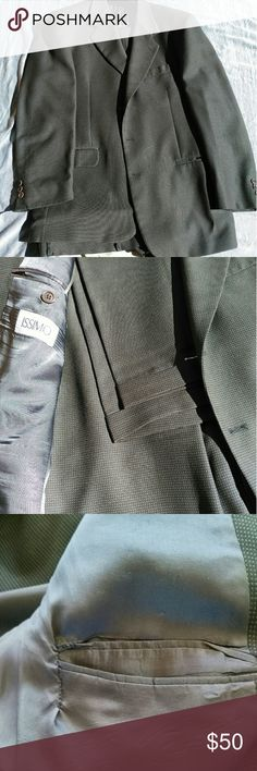 Issimo grey suit 100% wool. Repair to inner left pocket and middle button broken on left sleeve issimo Suits & Blazers Suits