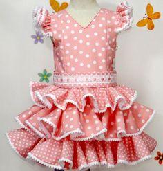 3a92dd3443 Traje de gitana para niña en popelín rosa salmón y lunar blanco adornado  con pasacintas en