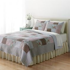 Home Classics® Ellie Reversible Quilt - Full/Queen