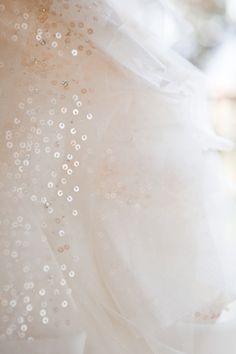 style me pretty - real wedding - usa - california - sonoma wedding - private estate - bride - detail - wedding dress - vera wang