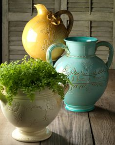  Tuscan garden urns and accents