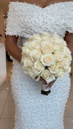 Fitted Wedding Gown, Fancy Wedding Dresses, Wedding Gowns, Wedding Flowers, Bridal Outfits, Mermaid Wedding, Bridal Style, Fall Wedding, Wedding Styles