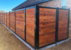 Browse 25 Privacy Fence Ideas For Backyard - Modern Fence Designs. Check photos of privacy fence ideas for backyard only at The Architecture Designs. Wood Privacy Fence, Privacy Fence Designs, Diy Fence, Cedar Fence, Backyard Fences, Backyard Landscaping, Fence Ideas, Wood Fences, Patio Privacy