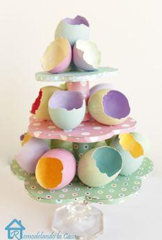 Remodelando la Casa: Easter Egg Tree Centerpiece
