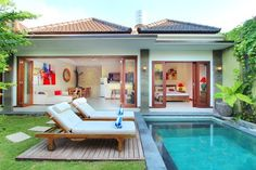 Villa Vidya in Seminyak, Bali Vidya Bali Villa is located on Jalan Nakula, on a quiet area far from the noise and agitation. Pool House Designs, Backyard Pool Designs, Bali Villa, Pool House Plans, Bali House, Cottage Style House Plans, Rest House, Villa Design, Cottage Design
