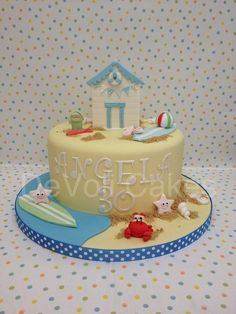 Oh we do like to be beside the seaside! #Beach #Cake with Beach hut and more! Great cake!  We love and had to share! Cake by DeVoliCakes