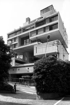 kuwait embassy and chancellery 1970 tokyo, japan  kenzo tange