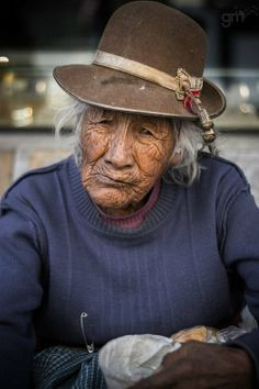 Old lady from Peru // by Steve McCurry