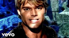 (10) ricky martin she bangs - YouTube