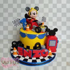 "232 Me gusta, 12 comentarios - Olanos Cakes, Tangerang (@olanoscakes) en Instagram: ""#Birthdaycake #customcake #customcakejakarta #partyfavour #kueulangtahunjakarta #jajanjakarta…"""