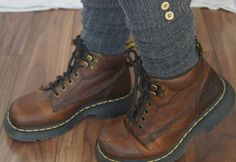 Doc Marten Boots Size 7 Women's Rounded Toe Thick Sole Brown Leather Industrial