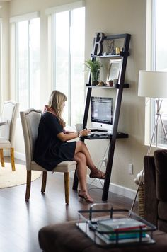 Love the simple desk that could fit anywhere! BUMP STYLE :: At the Office | Thoughts By Natalie