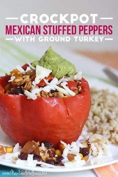 Here's a new recipe for Crockpot Mexican Stuffed Peppers with Ground Turkey. It's a healthy and delicious recipe that's super easy to make. The vegetarian Mexican Stuffed Peppers in my Meat-Free Slow… Slow Cooker Freezer Meals, Slow Cooker Recipes, Crockpot Meals, Freezer Cooking, Mexican Food Recipes, New Recipes, Vegetarian Mexican, Dinner Recipes, Vegetarian Meal