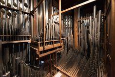 Château de Versailles, l'orgue de la Chapelle Royale vu de l'intérieur. Inside view of the Royal Chapel's organ. © EPV / Thomas Garnier