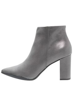 Noe NIPI Korte laarzen graphite gris, 189.95, http://kledingwinkel.nl/shop/dames/noe-nipi-korte-laarzen-graphite-gris/