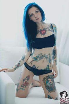 Woman tattoo créditos: suicide girls