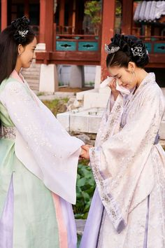 More of SNSD YoonA's charming stills from 'The King Loves' Korean Traditional Dress, Traditional Fashion, Traditional Dresses, Yoona, Snsd, My Shy Boss, Moda China, Court Dresses, Korean Hanbok