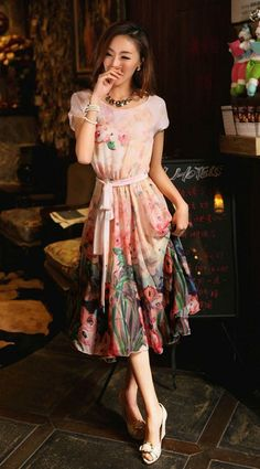 http://byi.hk/1366 Round neck fancy tencel big hem dress features the flowers pattern and loose design. Show off your casual but charming side with this dress. @ beyifashion
