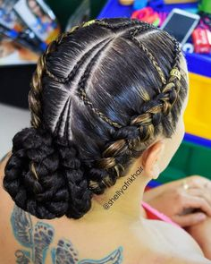 Long Box Braids: 67 Hairstyles To Upgrade Your Box Braids - Hairstyles Trends Latest Braided Hairstyles, Box Braids Hairstyles For Black Women, New Natural Hairstyles, African Hairstyles, Cool Hairstyles, Black Hairstyles, Hairstyles Pictures, Natural Hair Bun Styles, Curly Hair Styles