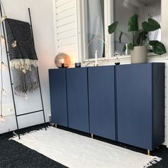 IKEA Hack / cabinet from the Ivar series (think basic, raw pine). This DIYer added a coat of navy paint and brass feet to give the piece an undeniably glam makeover. Ikea Ivar Cabinet, Ikea Kitchen Cabinets, Ikea Sideboard Hack, Credenza, Nightstand, Ikea Inspiration, Handmade Home Decor, Diy Home Decor, Kitchens