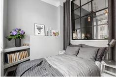 Gorgeous home with grey walls Small Apartments, Small Spaces, Decoration Gris, Sleeping Nook, Simple Bedroom Design, Modern Interior, Interior Design, Interior Photo, Minimalist Interior