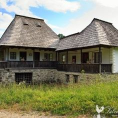 Bucharest Romania, Traditional House, Country Life, Old Houses, House Design, Cabin, House Styles, Places, Deck