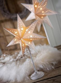 Star paper large light cover for wedding table or hanging in barn. my mom would love these!!!