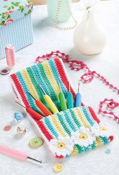 FREE PATTERN! Crochet hook case