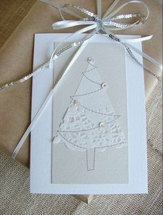 The perfect Christmas card (paper lace napkins). Homemade Christmas Cards, Christmas Cards To Make, Christmas Makes, Noel Christmas, Handmade Christmas, Homemade Cards, Holiday Cards, White Christmas, Simple Christmas