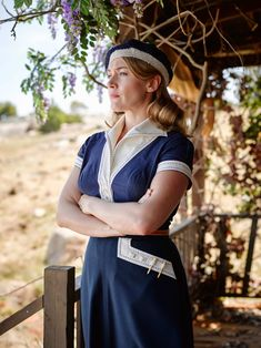 We're taking a closer look at the incredible couture costumes in the Kate Winslet film 'The Dressmaker'. Kate Winslet, Retro Fashion, Love Fashion, High Fashion, Vintage Fashion, The Dressmaker Movie, Colleen Atwood, Movie Costumes, 1950s Costumes