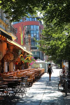I've been to one of these restaurants on the left!! Can't wait to go back! --Berlin, Germany