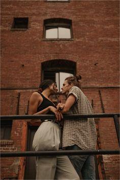 Photoshoot Pics, Couple Photoshoot Poses, Couple Photography Poses, Urban Photography, Couple Posing, Couple Shoot, Couple Portraits, Couple Poses Reference, Urban People