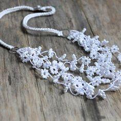Automne fleur au crochet et perles collier de mariage blanc bijoux Unique Floral mariage argent et soie