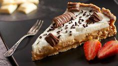 Wypróbuj przepis na słynne bananoffie pie, czyli tartę bananowo-karmelową na spodzie z kruchych ciasteczek!