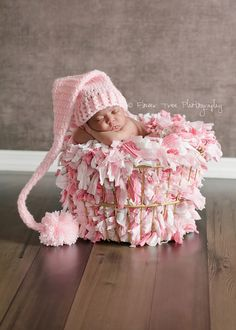Newborn  Elf Hat, Newborn Pink Hat, Photography Prop, Newborn Photo Prop, Long Tail Hat, Stocking Cap, Newborn Pom Pom Hat, Crochet Baby Hat de VioletsPlayground en Etsy https://www.etsy.com/es/listing/93959441/newborn-elf-hat-newborn-pink-hat
