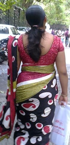 Aunty saree back pics