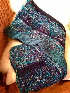 Handgestrickte Wolldecke made by Strickgräfin in Blautönen Fingerless Gloves, Arm Warmers, Fashion, Wool Blanket, Scarf Knit, Head Bands, Scarves, Fingerless Mitts, Moda