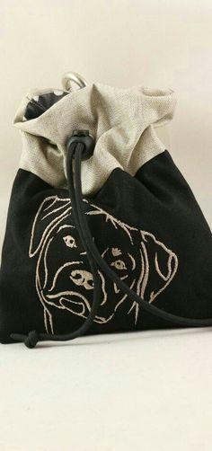 Leckerlibeutel mit unterschiedlichsten Hunderassen bestickbarwww.farnis.de #hund
